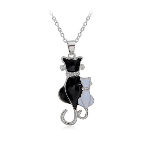 fekete-fehér cicapár nyaklánc
